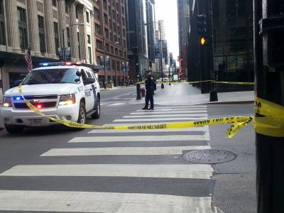 Homeland Security is closing off Clark Street after a bomb threat to the Kluczynski Federal Building.