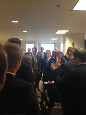 Mayor Emanuel greets employees of Medix Staffing Solutions Inc.