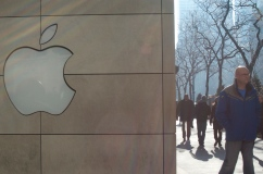 Electronic sales spiked in November. Apple has been moving the needle on electronics sales with new product introductions such as the iPhone 6. (Melissa Enaje/Medill Reports)